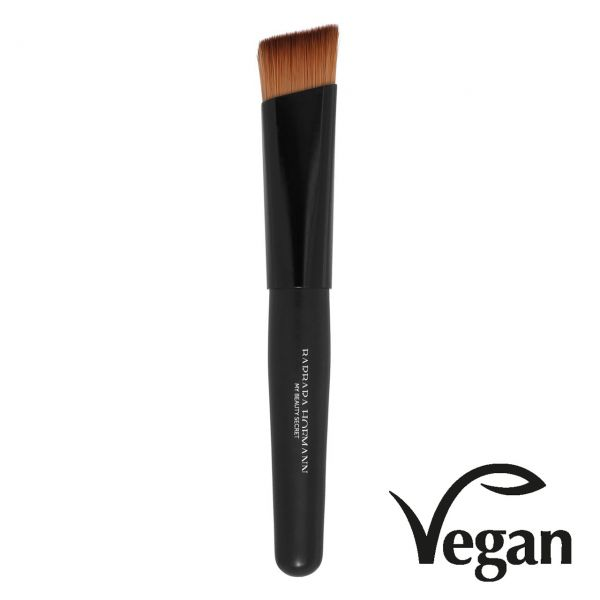 "Edge Foundation Brush 133 ""Professional"""